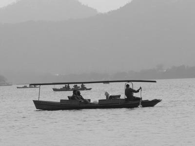 Moment de repos et de détente sur le Lac de l'Ouest, à Hangzhou