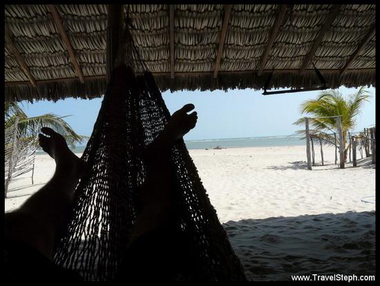 Entre le kite et la préparation du poisson frais, un peu de lecture au calme