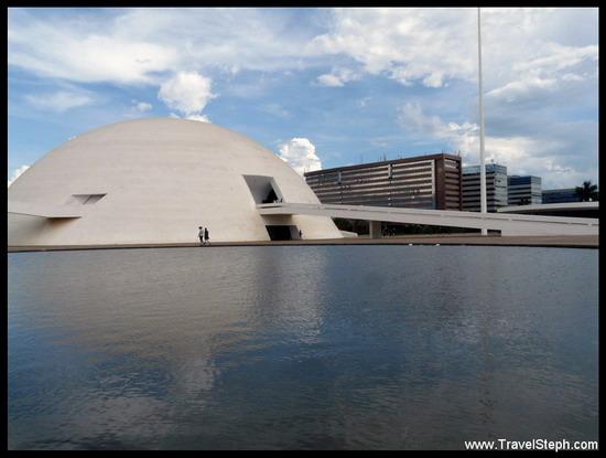 Le Museu Nacional (Musée National) de Brasilia, un hommage à l'architecte Oscar Niemeyer