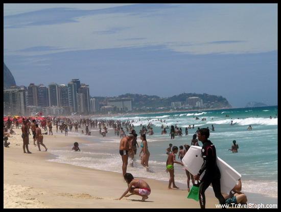 La plage de Barra da Tijuca (Rio de Janeiro) un week-end