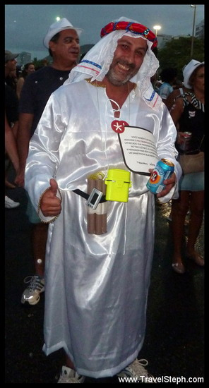 Oussama ben Laden de passage à Rio, 2 semaines avant Barack Obama ! - Déguisement Carnaval Rio de Janeiro 2011