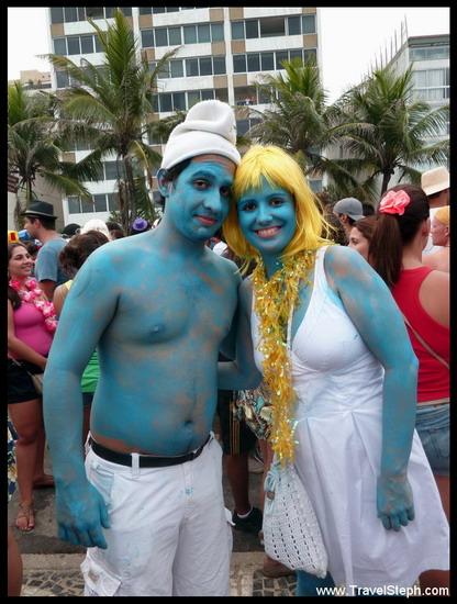 """Deux Schtroumpfs dans la """"cidade maravilhosa"""" - Déguisement Carnaval Rio de Janeiro 2011"""