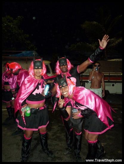 Batman en rose fluo - Déguisement Carnaval Rio de Janeiro 2011