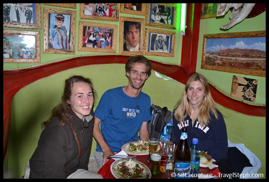 On n'en a pas l'impression mais il s'agit bien de…notre diner de Noël, à Tupiza (Bolivie)
