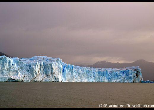 Le Perito Moreno, d'une hauteur de 60 mètres au dessus de l'eau (Patagonie, Argentine)