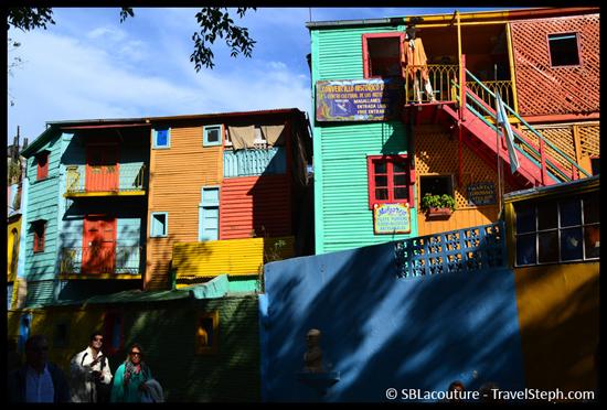 Les maisons colorées du quartier La Boca, à Buenos Aires